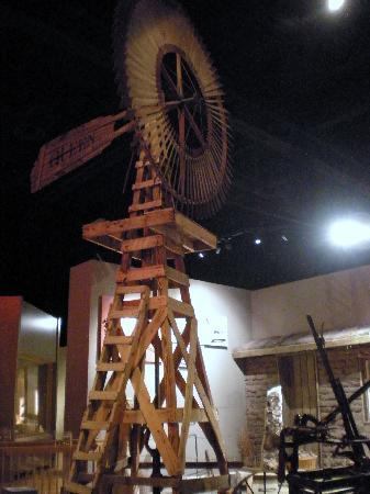 Kansas Museum of History: Windmill