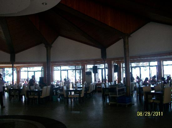 Omer Holiday Resort: ristorante