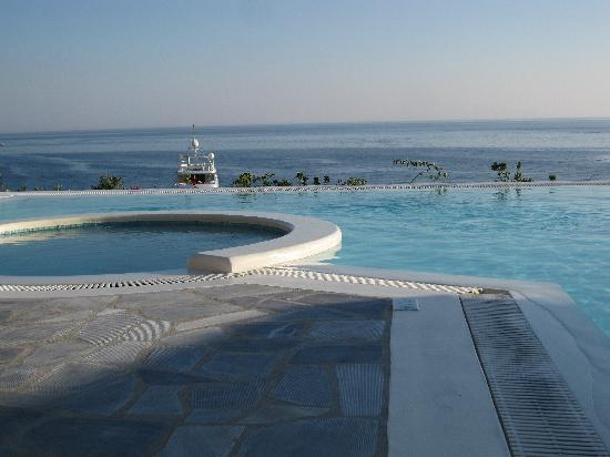 Santa Marina - A Luxury Collection Resort: ons zwembadje