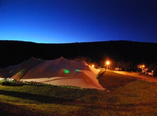 Thunzi Bush Lodge: View of Reception Tent