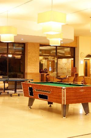 โรงแรมเบลลา วิลล่า พริม่า: Billard Table & Table Tennis