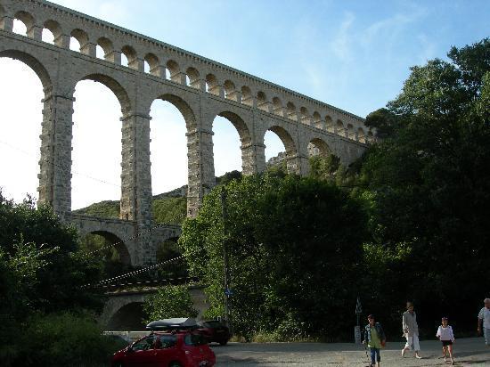 Ventabren, ฝรั่งเศส: Auqaduc nearby ventanbren