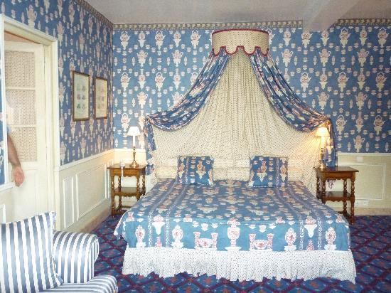 Château de Courcelles: bedroom at Courcelles