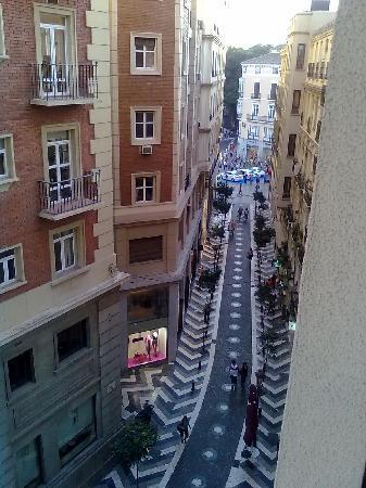 Don Curro Hotel: dalla finestra su Calle Sanche de Lara, verso  l'incrocio con Calle Marqués De Larios