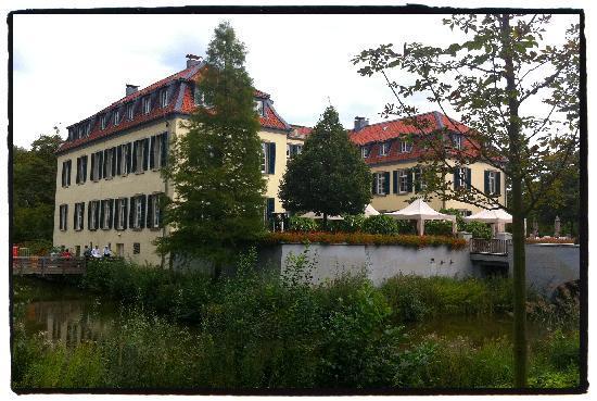 Schloss Berge von vorne