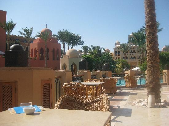 โรงแรมมาคาดี พาเลส: View from the Rendez-Vous Bar