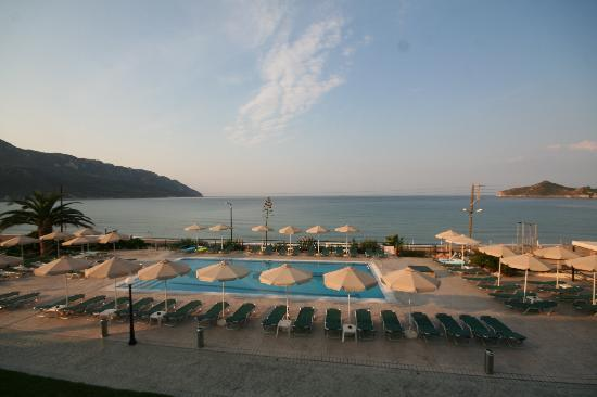 Hotel Costas Golden Beach: View from first floor sea-view room