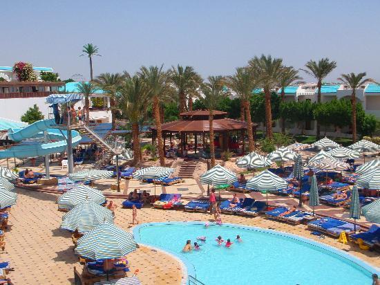 Sultan Gardens Resort: The pool