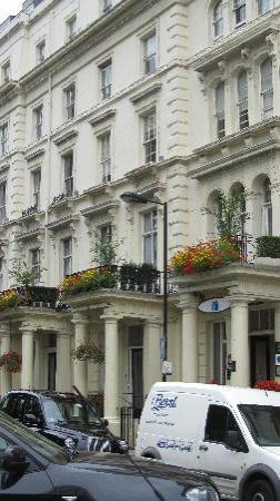 Umi London: The outside