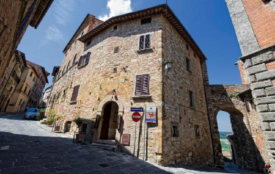 Camere Bellavista: Ingresso al Palazzo Bellavista