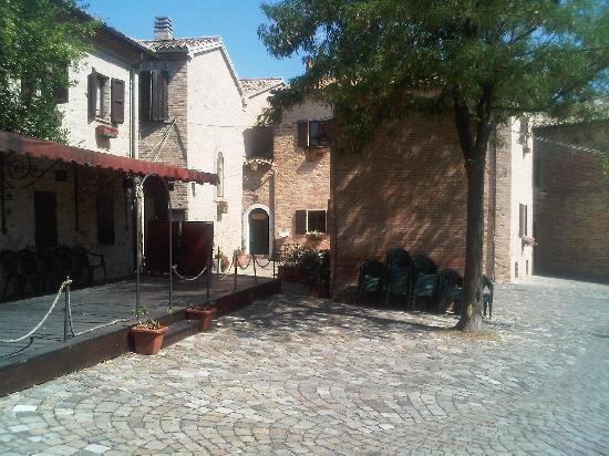 Relais Palazzo Viviani: surroudings