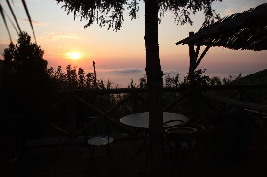 Agrituristica La Ginestra: sunset over the Sorrento coast from the balcony