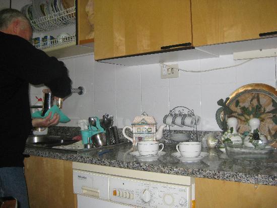 Anna Maria Guesthouse B&B: Kitchen