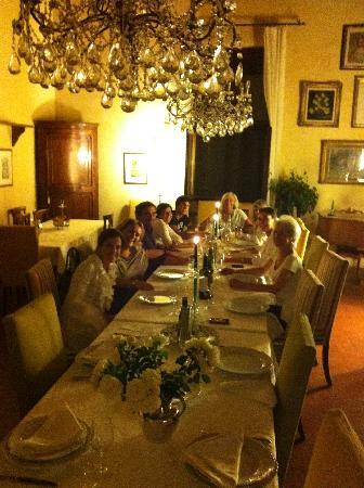 Agriturismo Palazzetto Ardi: Sensational Italian food served in classy dining room
