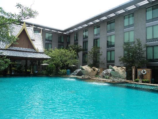 โนโวเทล แบงคอค สุวรรณภูมิ แอร์พอร์ท: piscine