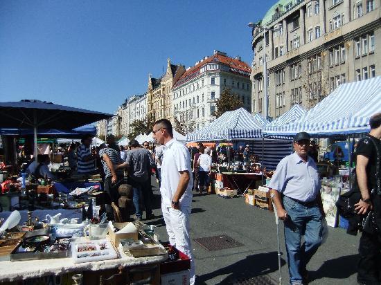Vienna Naschmarkt: 全部見るのはとっても大変!!