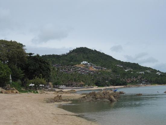 อนันตรา ลาวาน่า รีสอร์ท แอนด์ สปา: ホテル前ビーチ