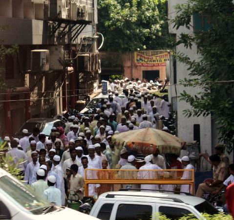 Friday Mosque (Jama Masjid): caminando hacia la mezquita
