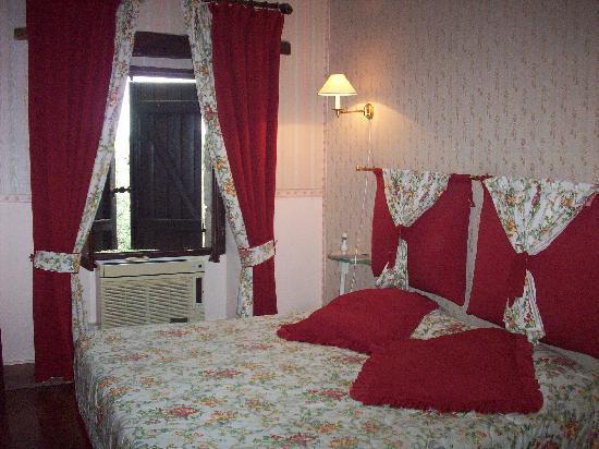 Le Logis du Guetteur: la nostra stanza standard nella torre