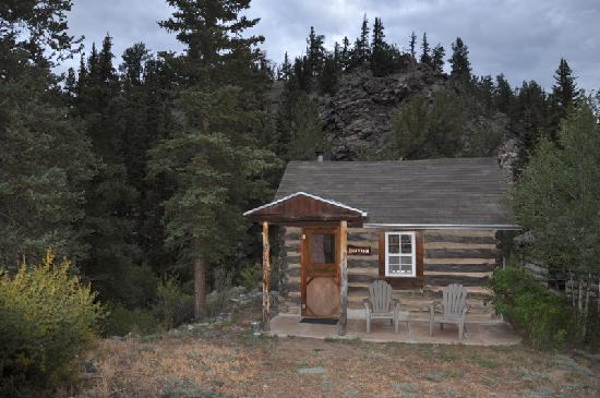 Ute Trail River Ranch: Rustic Shavano Cabin