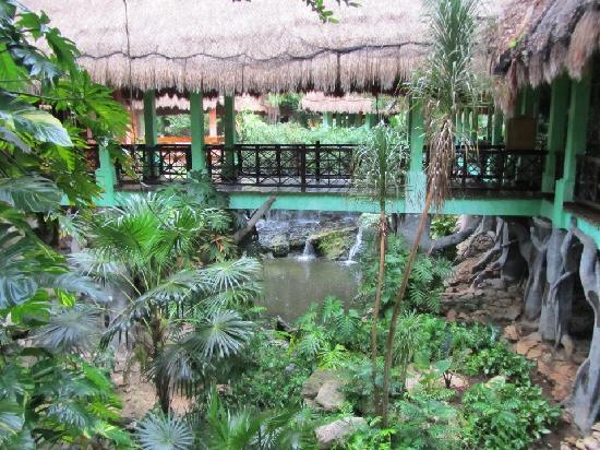 Iberostar Quetzal Playacar: Hotel Grounds