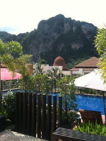 อ่าวนาง คลิฟฟ์ บีช รีสอร์ท: another beautiful day in Krabi