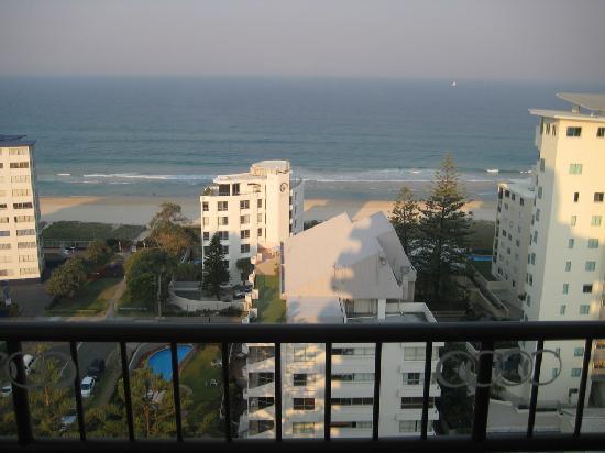 รีเจ้นท์อพาร์ทเม้นส์: View from balcony