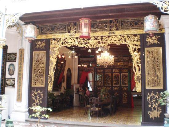 พิพิธภัณฑ์ปีนังเปรานากัน: One of the many rooms..