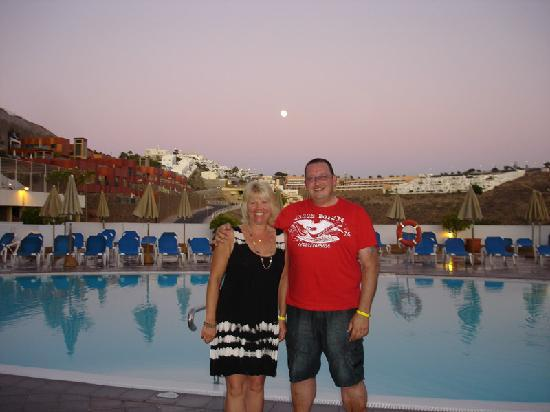 Hotel Altamadores: Me, my wife and the pool