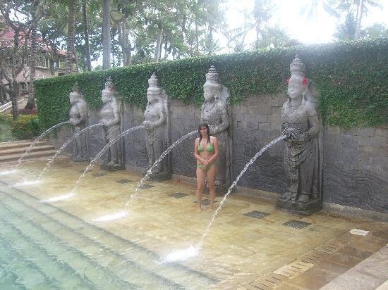 อินเตอร์คอนติเนนทัล บาหลี รีสอร์ท: another swimmingpool