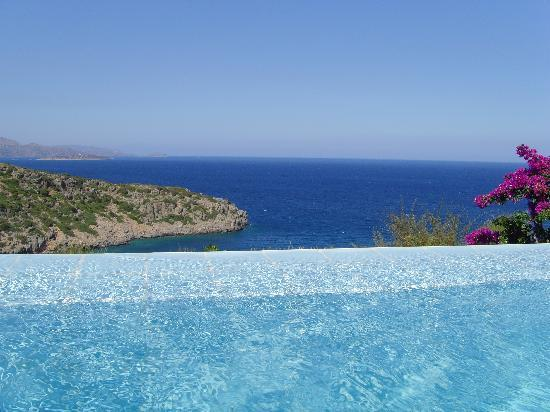 Daios Cove Luxury Resort & Villas: Our pool with a view!