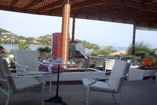 Louis Corcyra Beach Hotel: View from the terrace bar out to sea