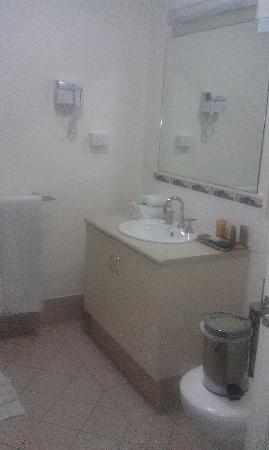 รีสอร์ทคัลบาร์รี่เอ็ดจ์: StudioRoom_Bathroom