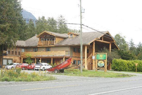 Bella Coola Mountain Lodge: Mountain Lodge