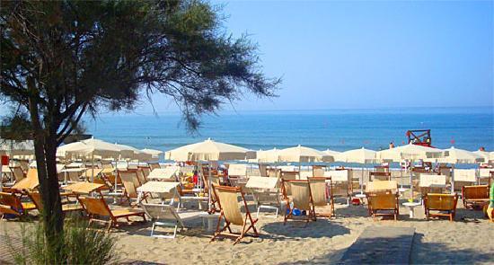 Residence Villa Fausta: spiaggia convenzionata