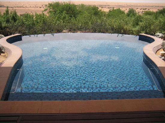อัลมาฮาเดสเสิร์ท รีสอร์ท: Piscina privata vista Dubai desert