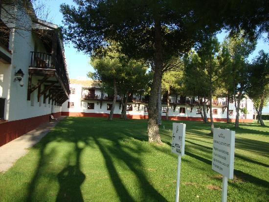 Parador de Albacete: los jardines de practica de golf