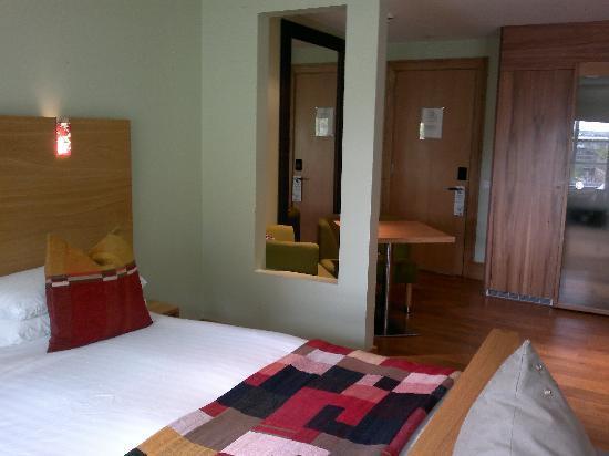 โรงแรมเมกาโร: Megaro