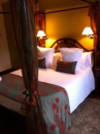 Hotel Casona del Nansa: la habitación.....preciosaaaaaaaa!!!!
