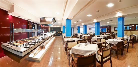 Mediterranean Bay Hotel: Restaurante