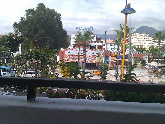 Parque Santiago: Balcony facing street-supermarket opposite