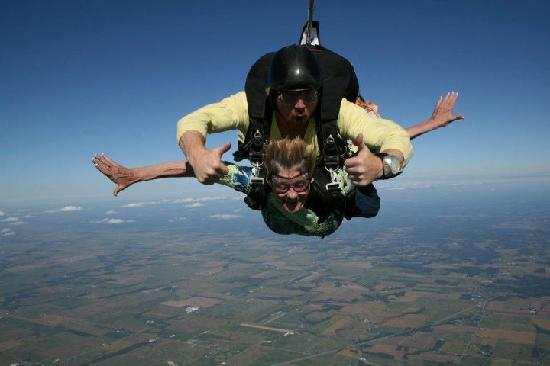 Skydive Indianapolis: Free-Falling and breathing