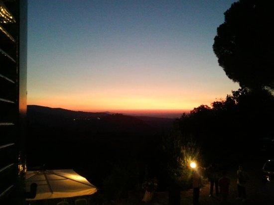 Borgo Tepolini: tramonto serale prima di cena