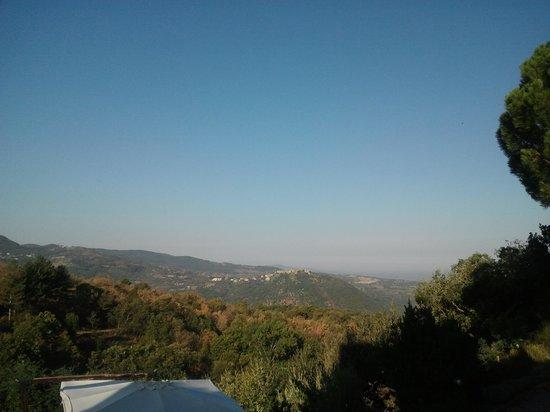 Borgo Tepolini: panorama diurno