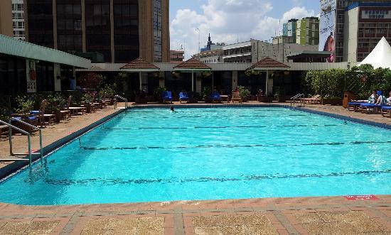 ฮิลตัน โฮเต็ล: The pool
