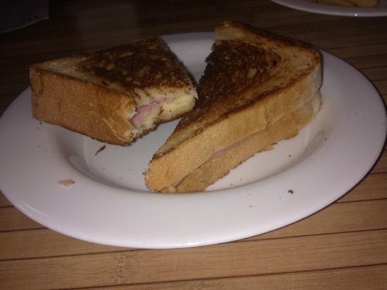 Indalo Tapas Alcala Centro: Sandwich mixto (realidad)