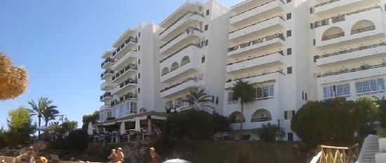 Barcelo Ponent Playa: hotel from beach
