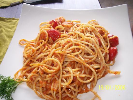 Luna Cafe Yangshuo: Spaghetti bolognese