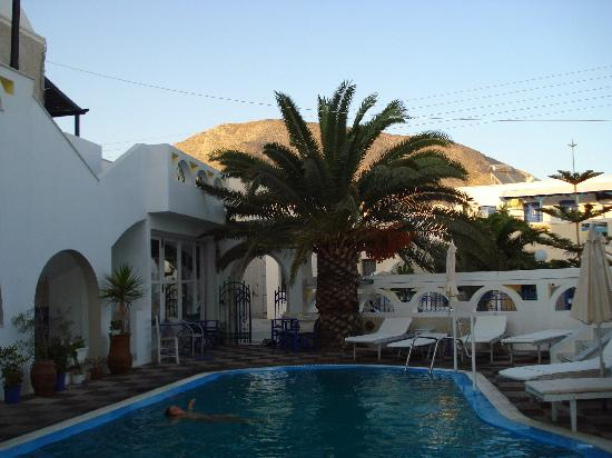 Hotel Athanasia: pool area