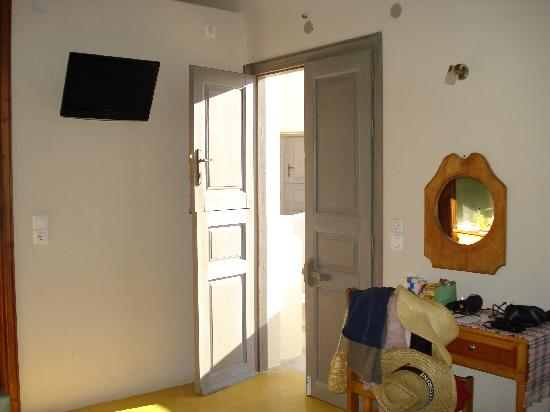 Hotel Athanasia: our room
